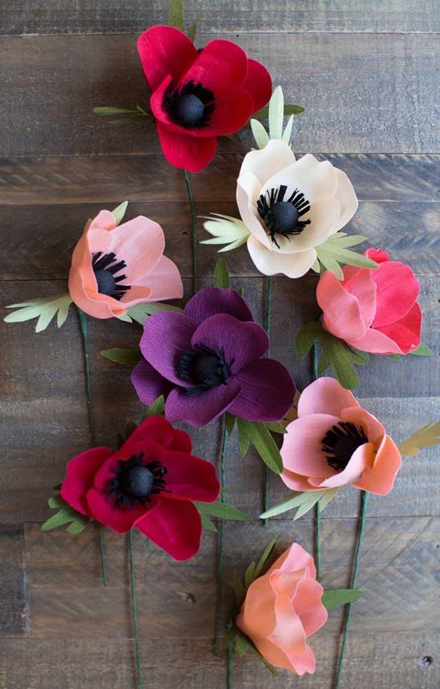 Opção de flores simples de papel crepom, com a parte interna do miolo destacada