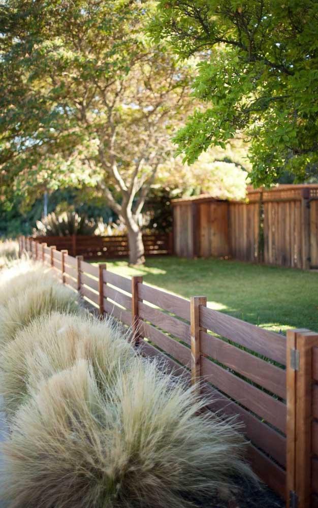 Cerca de madeira para jardim, ideal para quem tem cachorros, por exemplo