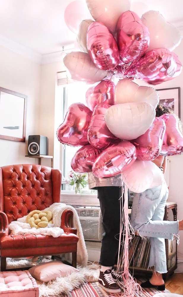 Decorar a casa ou o quarto dele com vários balões também é muito bacana e rende fotos incríveis para o Tumblr