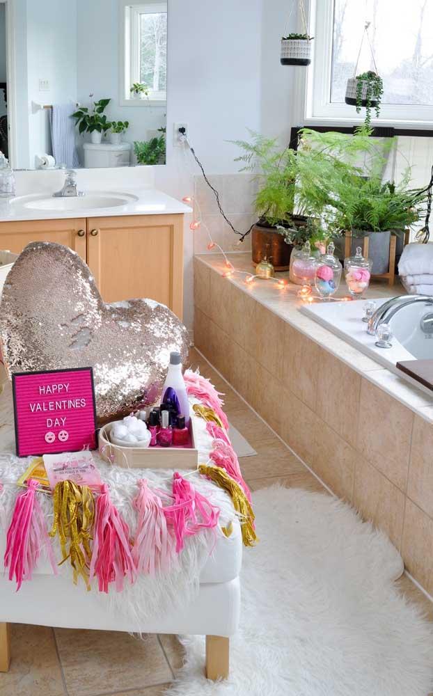 Inspiração de presente criativo para o Dia dos Namorados: kit para um banho de banheira