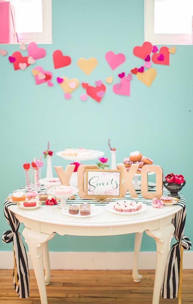 Mesa de doces para comemorar um dia especial junto com o namorado