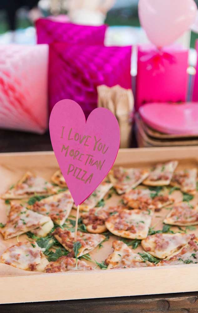 Uma ideia simples e barata feita com recados nos palitos de pizza