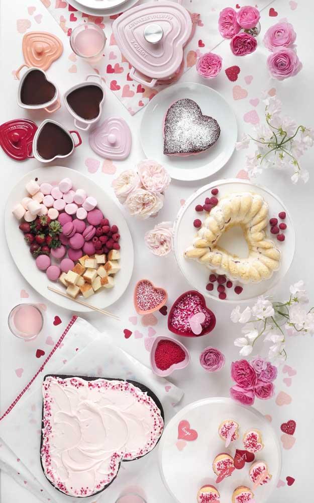 Mesa de doces perfeita para fazer uma surpresa para o namorado simples e barata