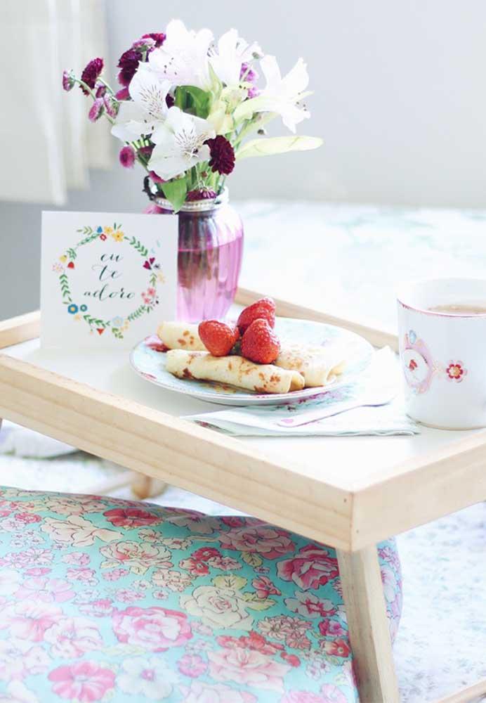Quem não adoraria ser acordado com um delicioso café da manhã na cama?