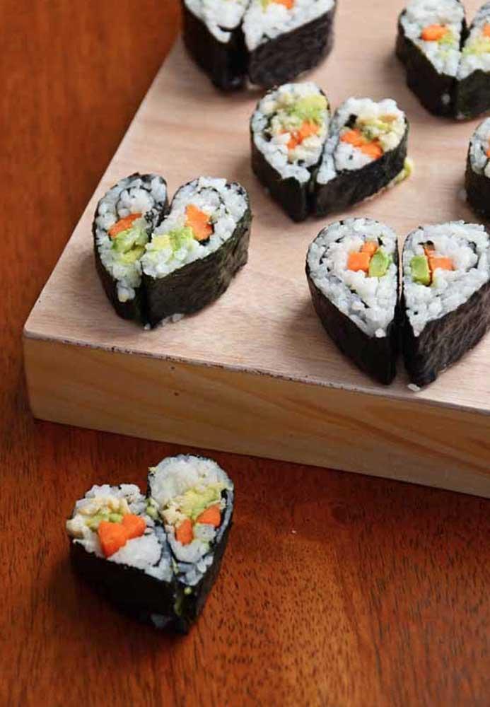 Um dos cardápios mais romântico é a comida japonesa.