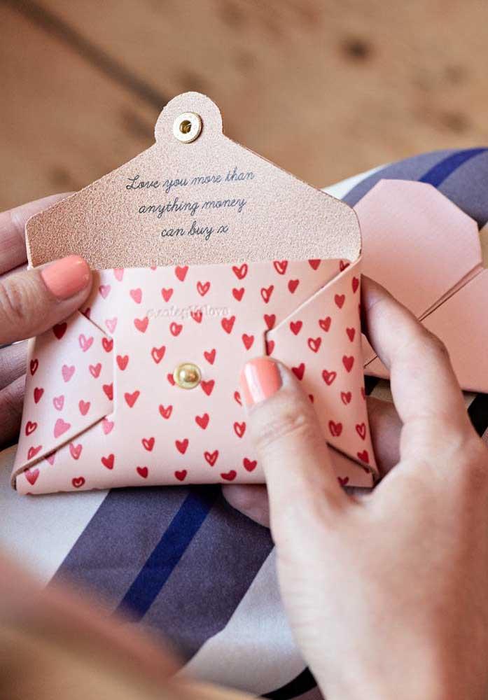 Surpreenda sua amada com um presente diferenciado.