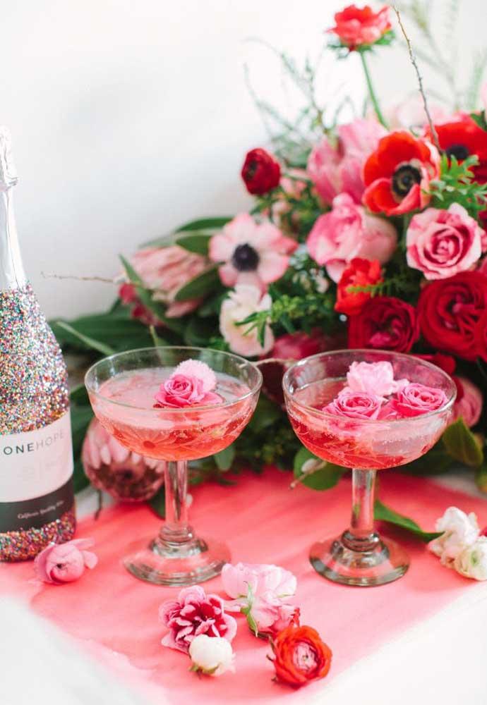 A champanhe não pode faltar no jantar do dia dos namorados. Afinal, é um bom dia para brindar!
