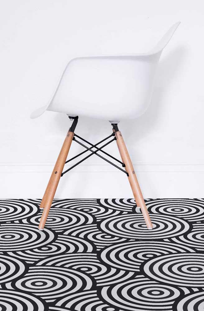 Espirais em preto e branco: um modelo de piso 3D cheio de efeitos óticos