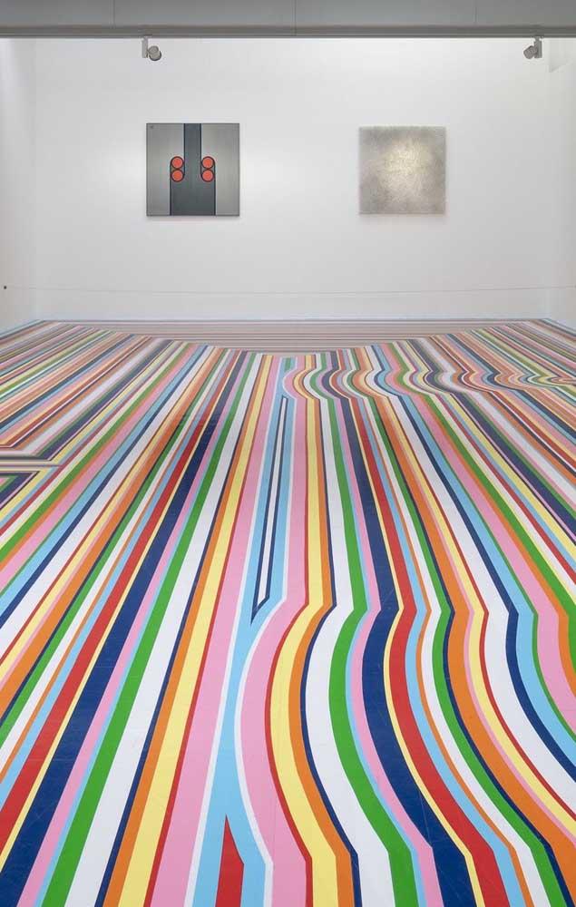 Um piso 3D de listras coloridas e com um belo efeito de profundidade e amplitude; que ambiente você criaria aqui?