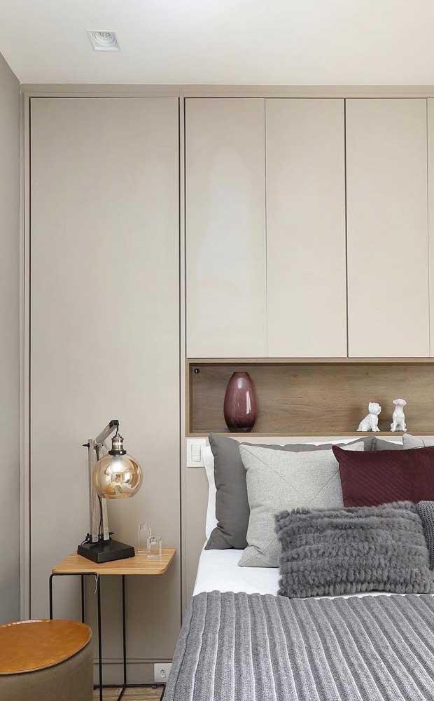 Os móveis planejados para quarto de casal permitem que todos os espaços sejam perfeitamente aproveitados