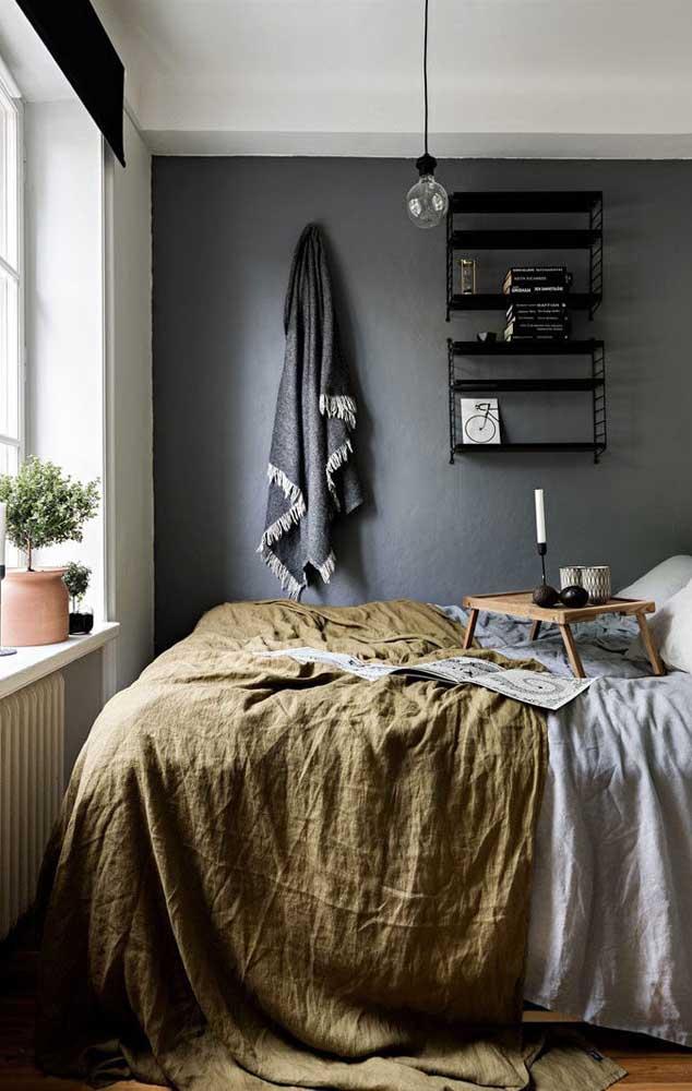 Mas se tiver uma boa iluminação natural vale ousar um pouco mais e jogar tinta na parede toda