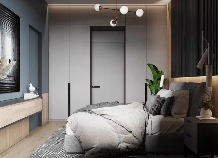 A iluminação indireta é o destaque desse projeto de quarto de casal pequeno