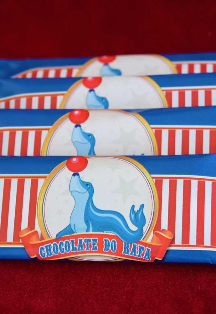 Os bichinhos que se apresentam no circo também podem ser usados como elemento decorativo da festa.