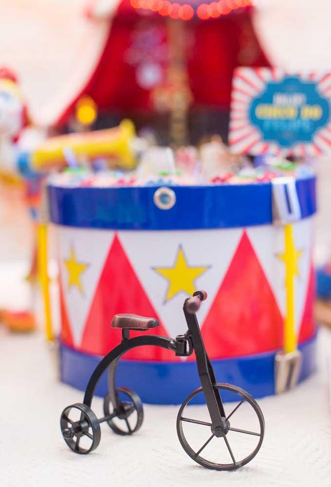 Quer fazer uma festa circo vintage? Saiba usar os elementos decorativos certos.
