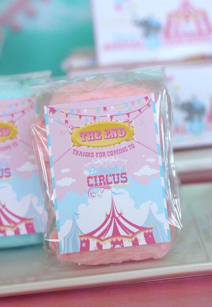 Olha que lembrancinha mais feminina com o tema circo.