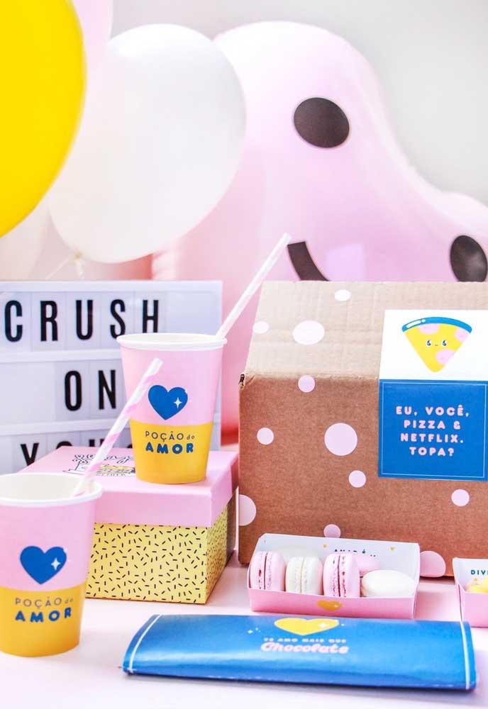 Um kit com várias guloseimas promete agradar qualquer namorado (a) no dia dos namorados.