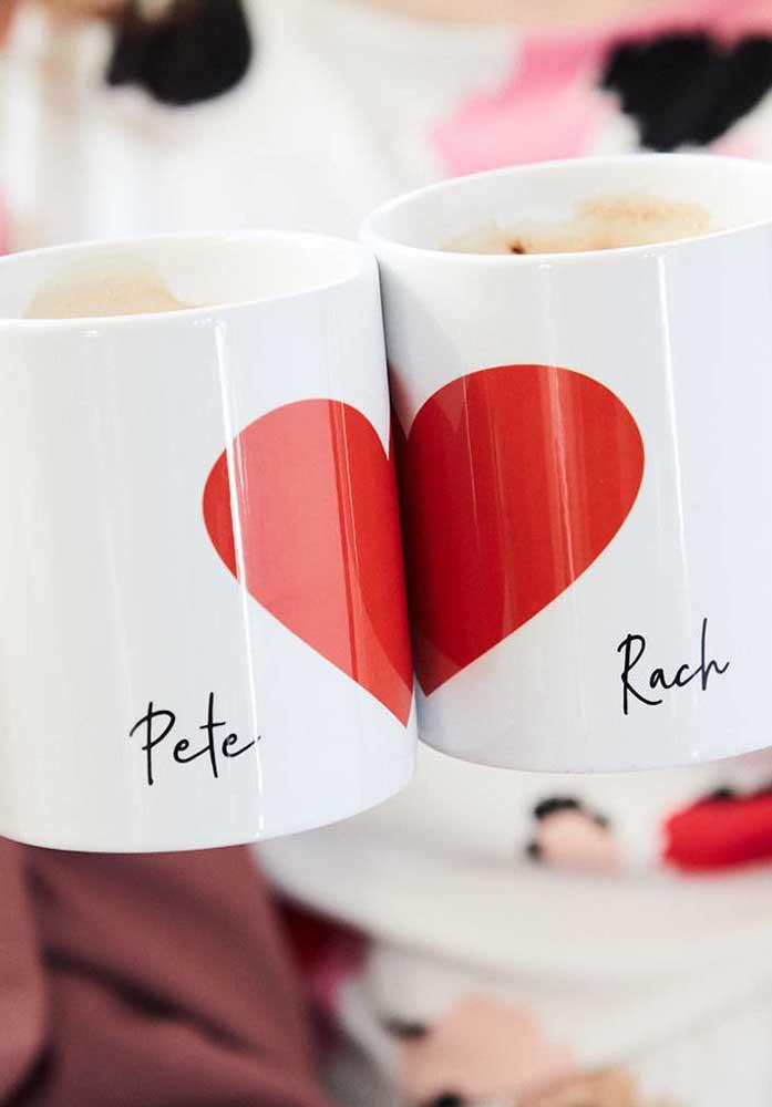A caneca personalizada é um dos presentes do dia dos namorados mais preferido pelos casais.
