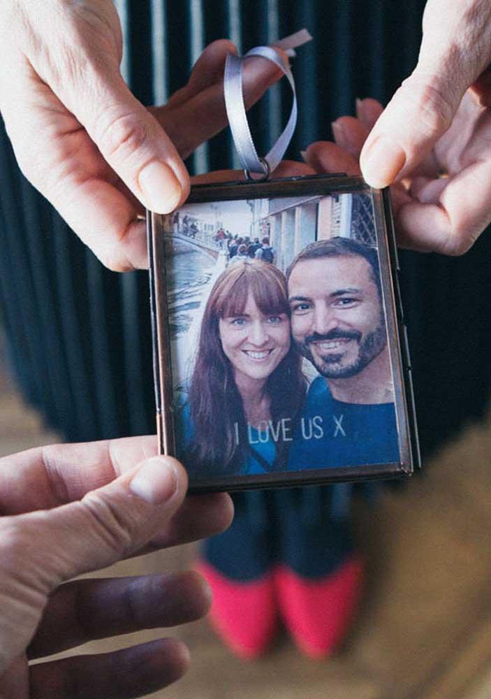 A foto do casal é uma ótima recordação e opção de presente do dia dos namorados.