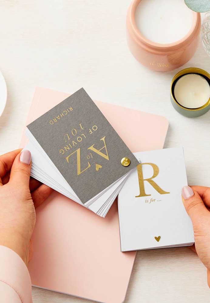 Um jogo de cartões que você mesmo pode fazer para presentear no dia dos namorados.