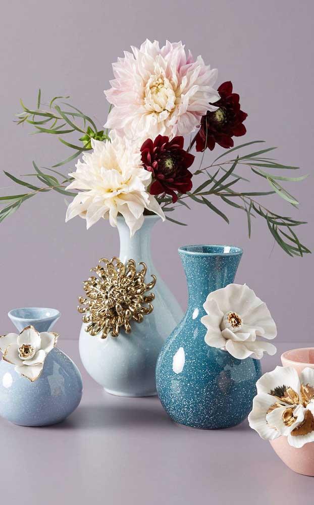 O crisântemo é uma flor linda que se destaca por sua aparência volumosa e pelas diferentes tonalidades de cores