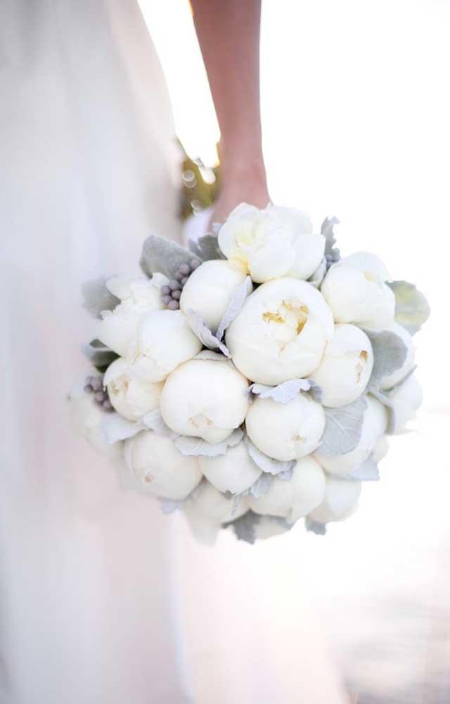 Um dos modos mais comuns para se usar flores lindas é no formato de buquê, especialmente para as noivas