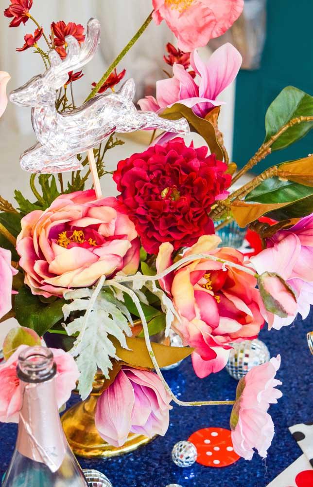 Combinar diferentes espécies de flores é um recurso incrível para decoração