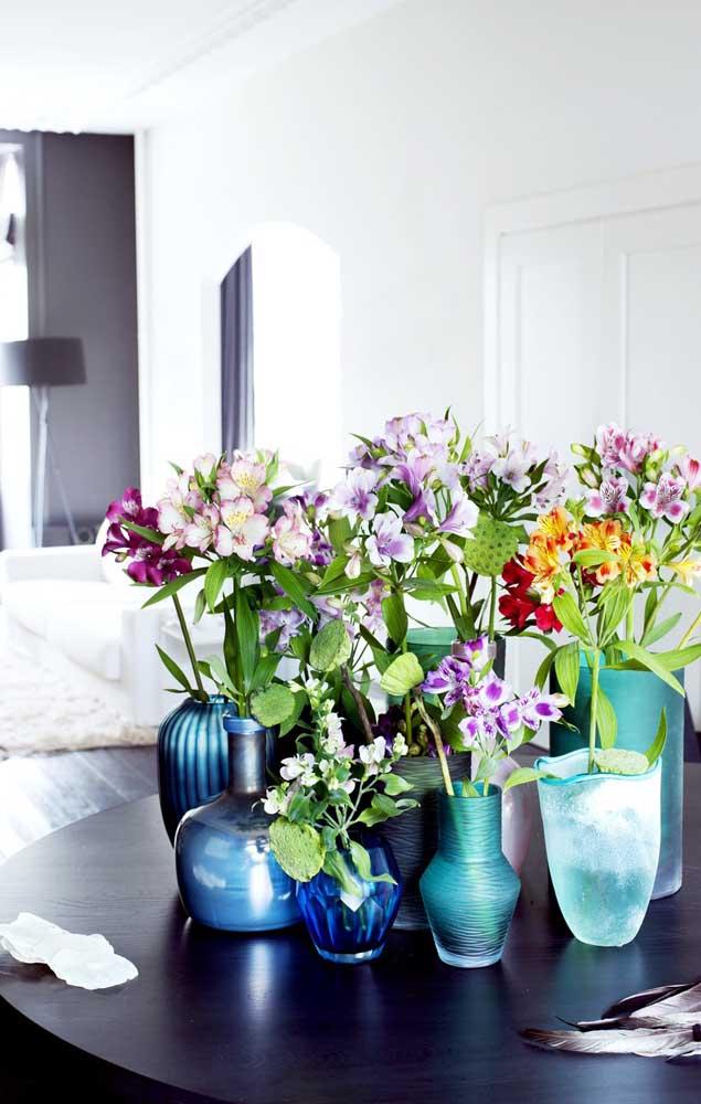 A linda e delicada Astromélia é uma das flores preferidas para decoração de festas, especialmente casamentos; essa linda flor surpreende ainda pela sua rica variedade de cores