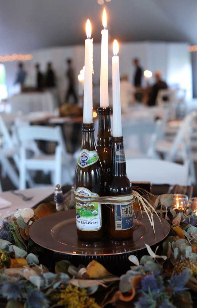 Modelo de centro de mesa super original para o Chá Bar; ótima ideia, inclusive, para quem deseja algo do tipo faça você mesmo