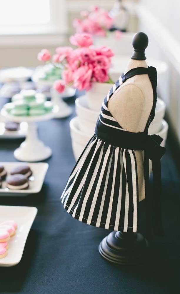 Inspiração de decoração para a mesa de doces do Chá Bar