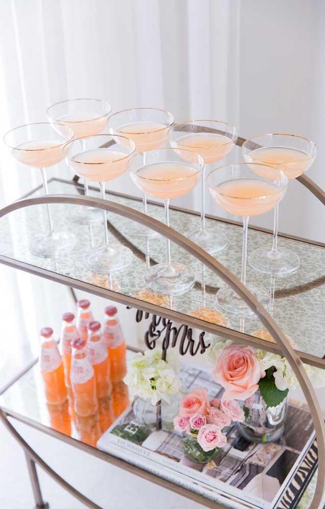 Um mini bar delicado para uma ocasião especial