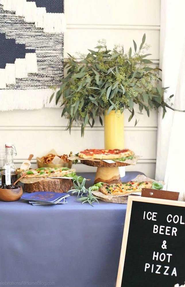 As pizzas também são ótimas opções para servir durante o Chá Bar descontraído
