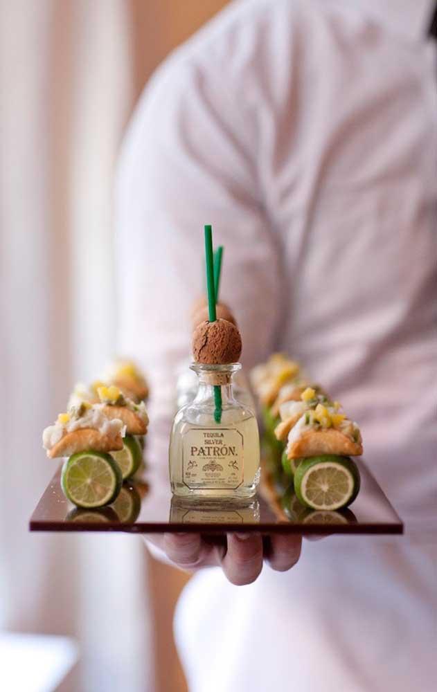 Olha que ideia bacana de petisco para servir durante um Chá Bar elegante