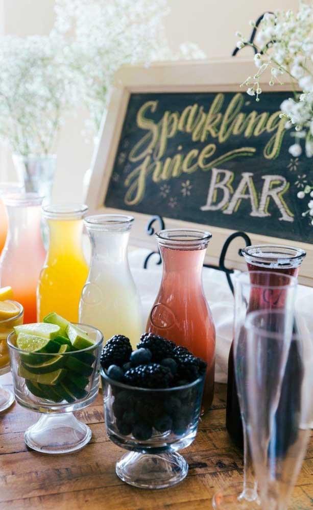 Mesa de drinks e bebidas para o Chá Bar