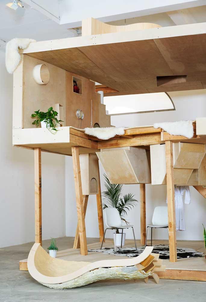 O modelo de casa pode ser aquela que se instala na árvore, mas se você quer mais segurança, pode fazer ela dentro de casa mesmo.