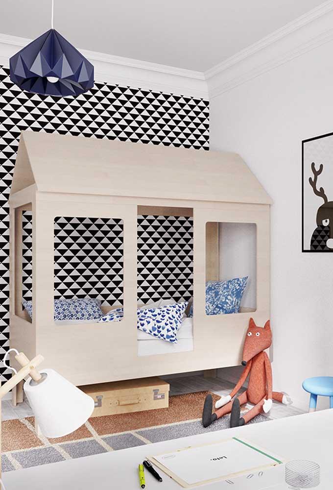 Que tal imitar no quarto do seu filho uma casinha na árvore para ele se divertir?