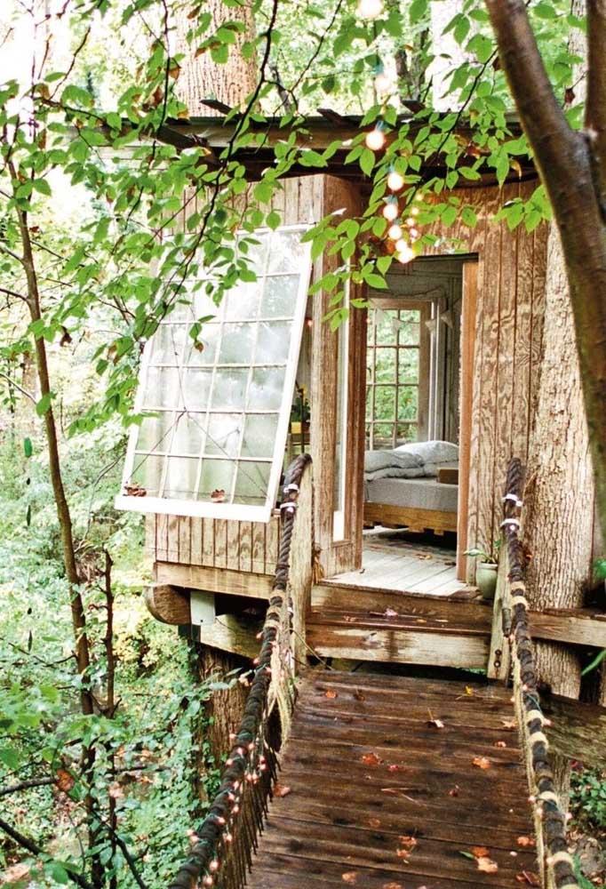 Para os mais românticos, uma casa na árvore pode ser um excelente refúgio para os casais apaixonados.