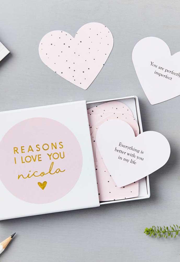 Que tal preparar uma caixinha cheia de mensagens apaixonantes para entregar como lembrancinha para o Dia dos Namorados?