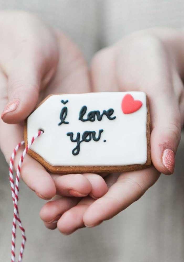 O que acha de preparar uma lembrancinha para o Dia dos Namorados que seja comestível e ao mesmo tempo apaixonante?