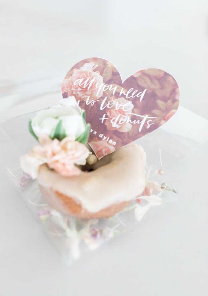 Cada vez mais as pessoas estão aderindo às lembrancinhas comestíveis para presentear no Dia dos Namorados.