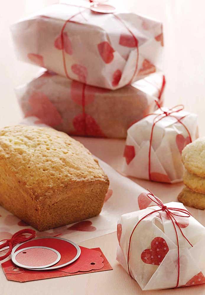 O que acha de preparar um delicioso pão caseiro e entregar como lembrancinha no Dia dos Namorados para seu amor experimentar?
