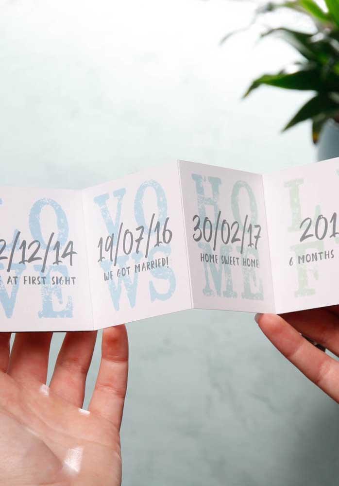 Prepare um cartão com as datas mais importantes da vida do casal. Vocês vão amar lembrar desses momentos.