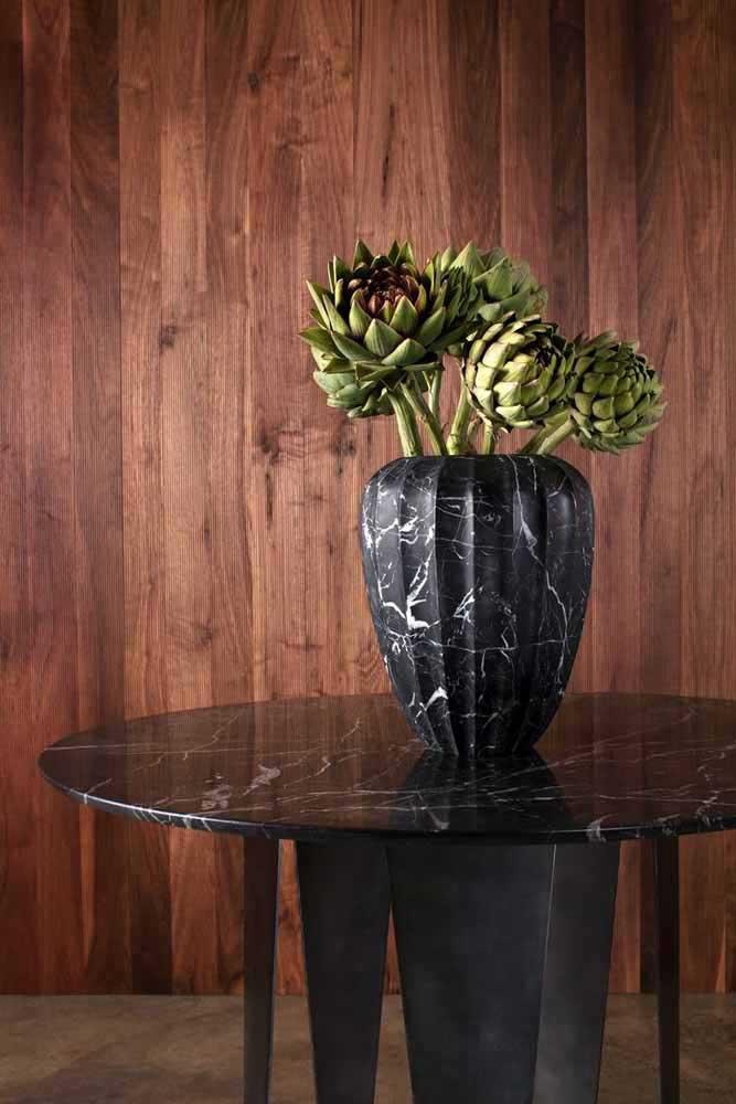 Olha essa ideia simples e fácil de fazer: vaso reciclado feito com lata revestida de papel