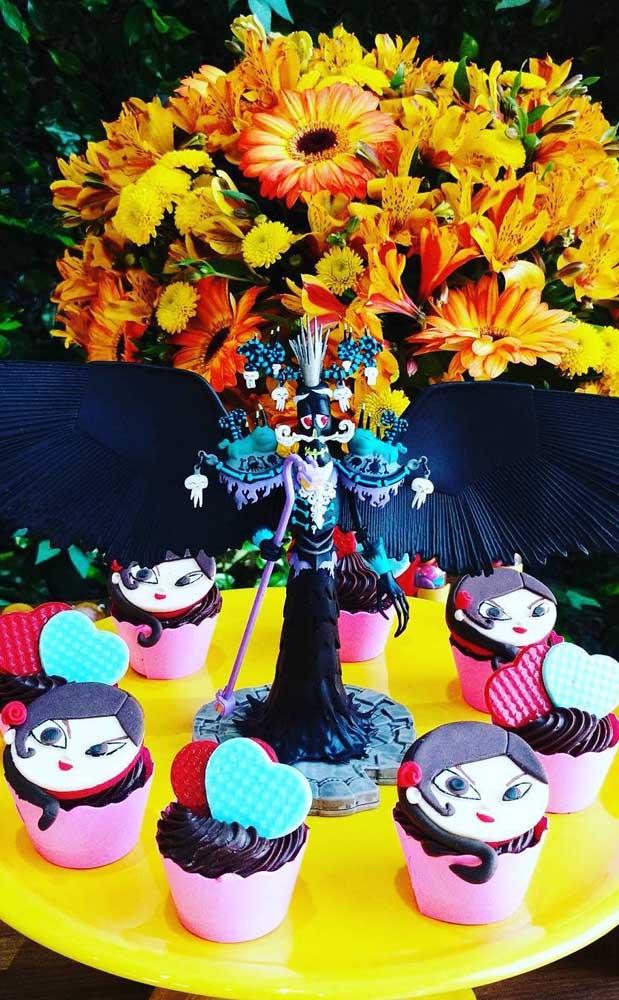 """Flores e cupcakes para essa outra """"Festa no Céu"""""""