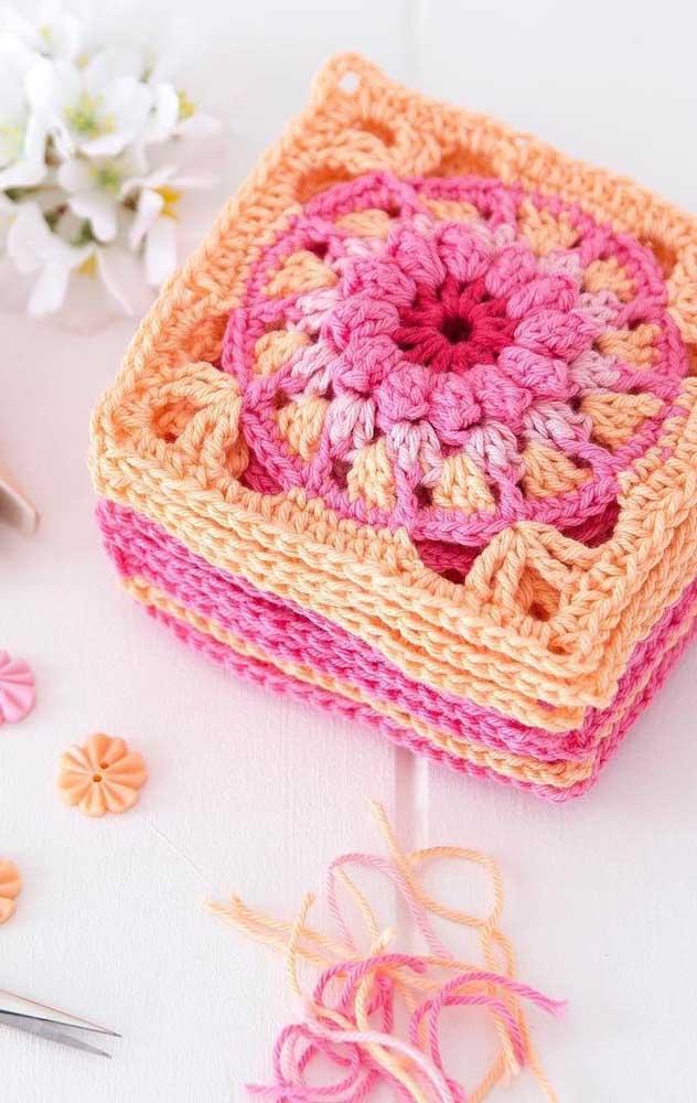 Pequeninos, os guardanapos de crochê podem ser guardados em qualquer cantinho da cozinha