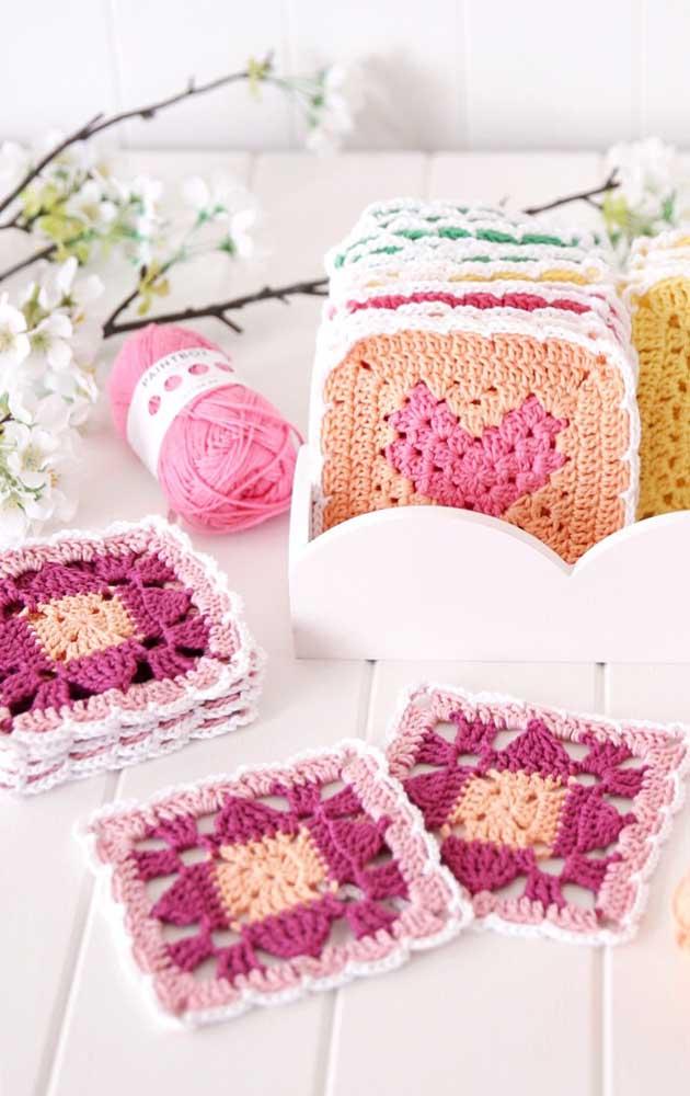 Se for fazer guardanapos de crochê para vender é interessante contar com um bom número de amostras