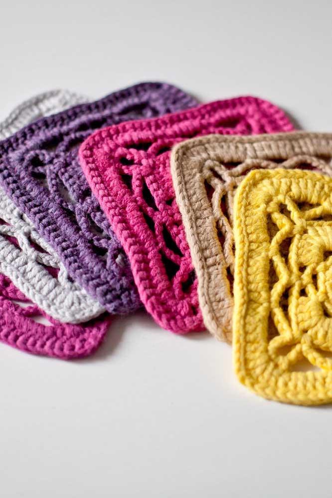 Cores quentes ou cores frias: você escolha a paleta de cores dos seus guardanapos de crochê