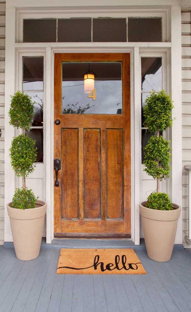 Os capachos de porta ficam perfeitamente estéticos e funcionais na versão emborrachada