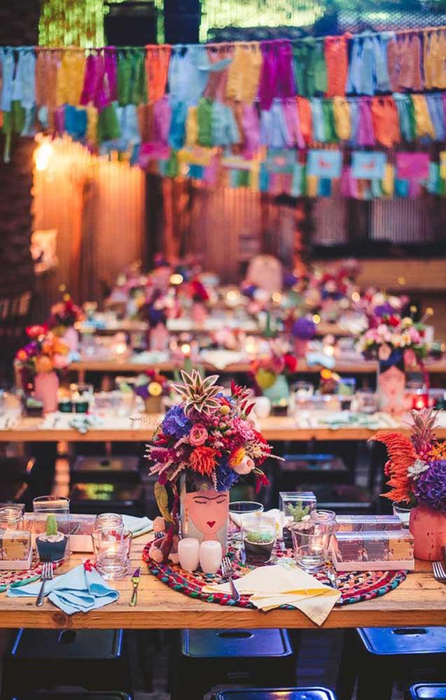 Decoração de festa inspirada no tema Frida Kahlo