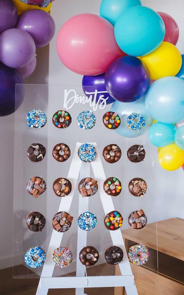 Painel de donut's para decorar a festa simples