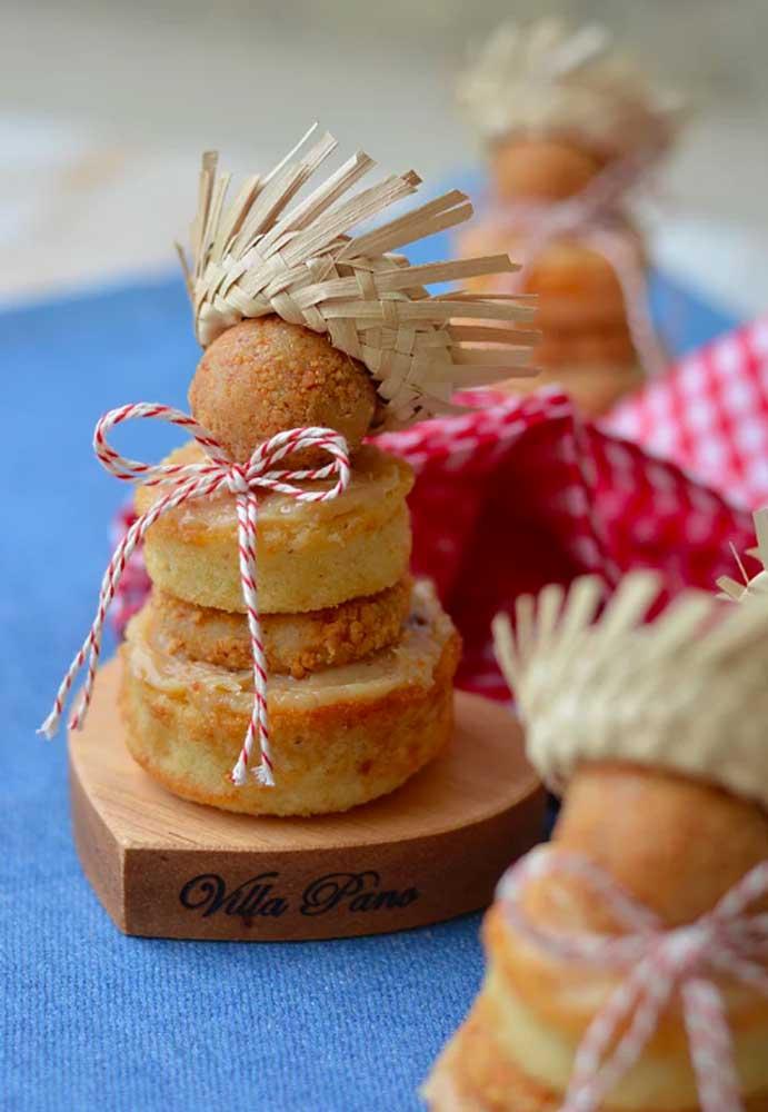 Olha a criatividade falando mais alto na hora de decorar as guloseimas da festa junina.